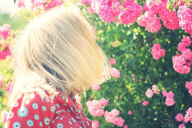 girl-925465_640 (1)