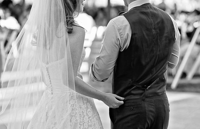 婚活で結婚した女性と男性