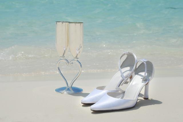 bridal-shoes-1434864_640