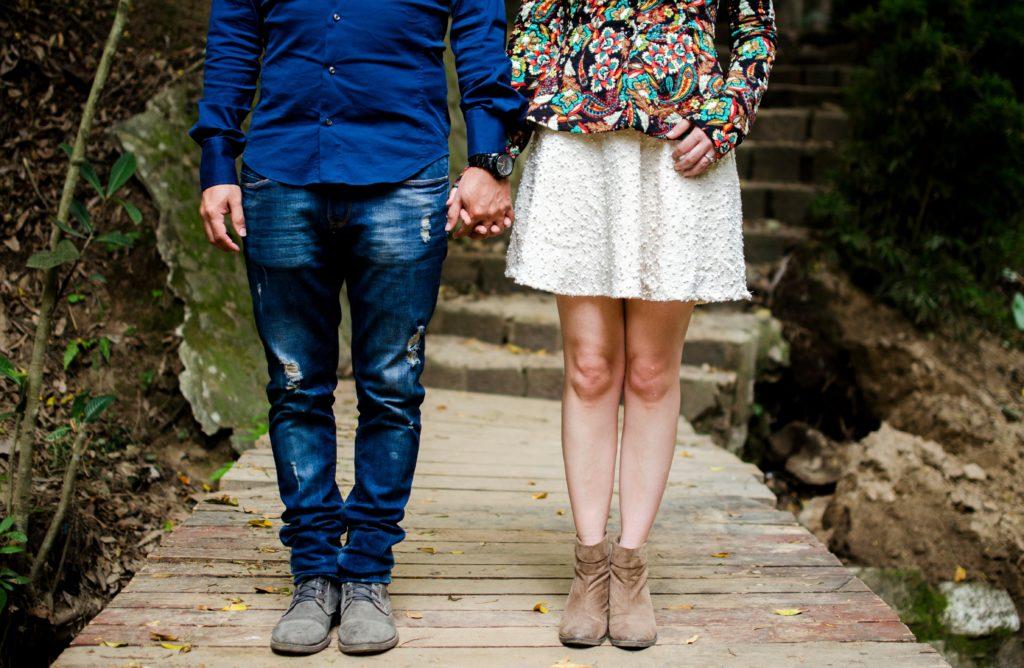 couple-570903_640