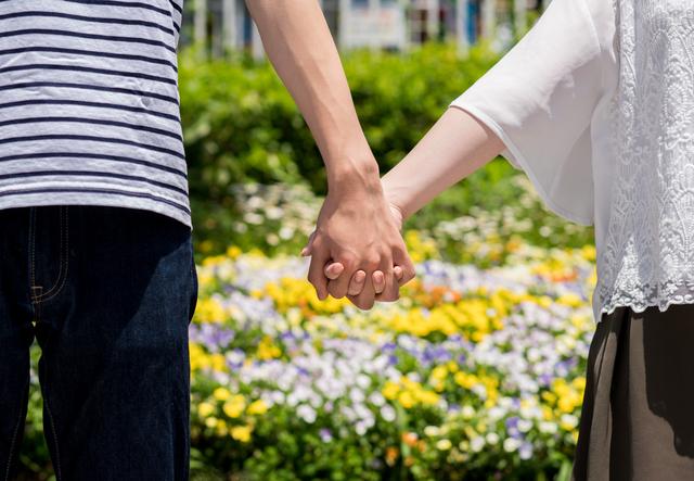 オタクの人が集う!婚活サイトで結婚相手を探す
