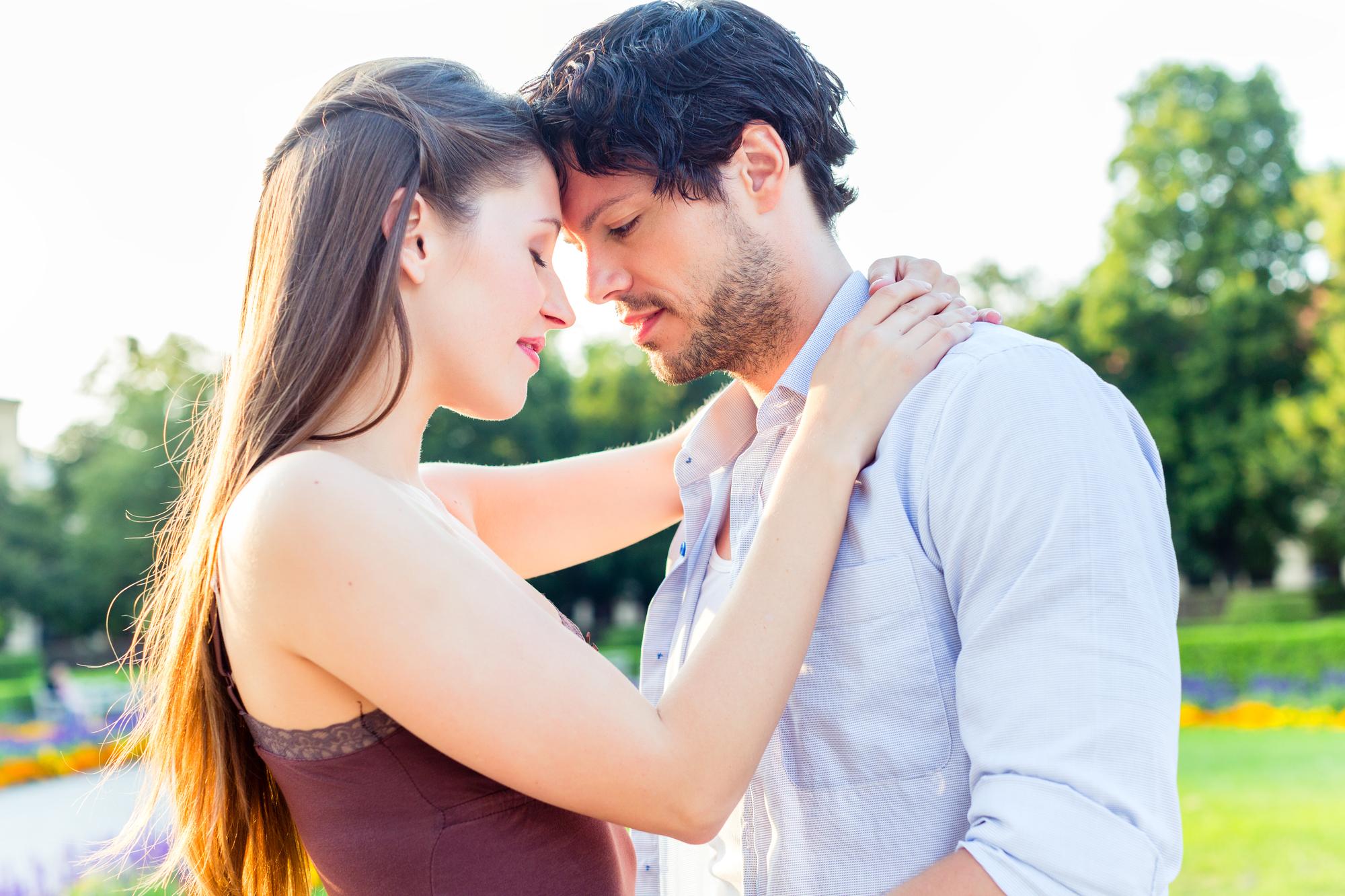 恋愛を成就させたい!奥手な女性の特徴と脈ありサイン